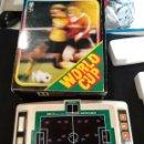 Videojuegos y Consolas: JUEGO ELECTRÓNICO TOMY WORLD CUP. FUNCIONA. Lote 160941613