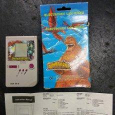 Videojuegos y Consolas: LCD DINOSAUR BATTLE 1990 NUEVA A ESTRENAR GAME BOY GAME & WATCH. Lote 171249884
