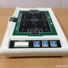 Videojuegos y Consolas: MÁQUINA DE FÚTBOL ELECTRÓNICA TEG - TOMY ELECTRONIC GAME SOCCER - AÑOS 80. Lote 178215360