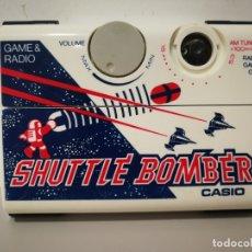 Videojuegos y Consolas: ANTIGUA MAQUINITA TIPO GAME WATCH CASIO GAME RADIO SHUTTLE BOMBER. Lote 182198815