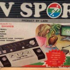 Videojuegos y Consolas: ANTIGUA CONSOLA TV SPORT, CON CAJA Y ACCESORIO DE ESCOPETA, EN SU CAJA ORIGINAL TAMBIEN.. Lote 182431178