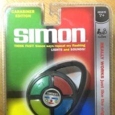 Videojuegos y Consolas: SIMON DE BOLSILLO - HASBRO 2009. Lote 186099578