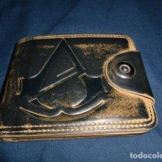 Videojuegos y Consolas: CARTERA CUERO USADA ASSASSINS CREED. Lote 192779778