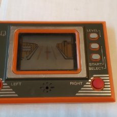 Videojuegos y Consolas: MAQUINITA TIPO GAME & WATCH Q&Q QQ LCD GAME MADE IN JAPAN FUNCIONANDO. Lote 194613773