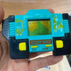 Videojuegos y Consolas: MAQUINITA LCD TIPO GAME & WATCH HIGHWAY. Lote 194895192