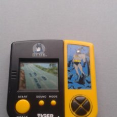 Videojuegos y Consolas: TIGER GAME&WATCH LCD BATMAN TM VERY GOOD CONDITION FULL WORKING SEE!! R10108. Lote 195362671