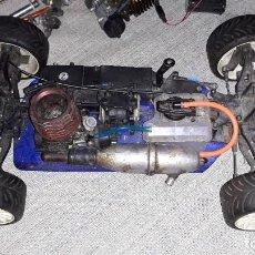 Videojuegos y Consolas: COCHE KYOSHO PERFEX KS-101 BK - MOTOR GASOLINA RADIOCONTROL. MAS MOTOR Y PIEZAS. Lote 195390836