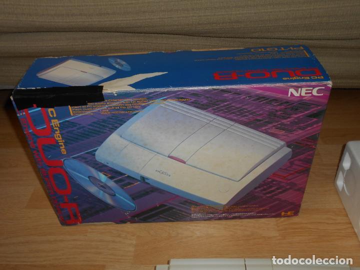 Videojuegos y Consolas: Consola PC ENGINE DUO R con su CAJA Cables PAD y MANUALES - Foto 5 - 198941768