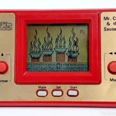 Videojuegos y Consolas: MAQUINITA GAME&WATCH MR. CHEF & THE SAUSAGES, DE MINI ARCADE. Lote 204414627