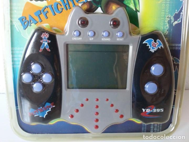 Videojuegos y Consolas: Bat Shape Game Player Maquinita con forma de murciélago no Batman En blister sin abrir - Foto 2 - 206324893