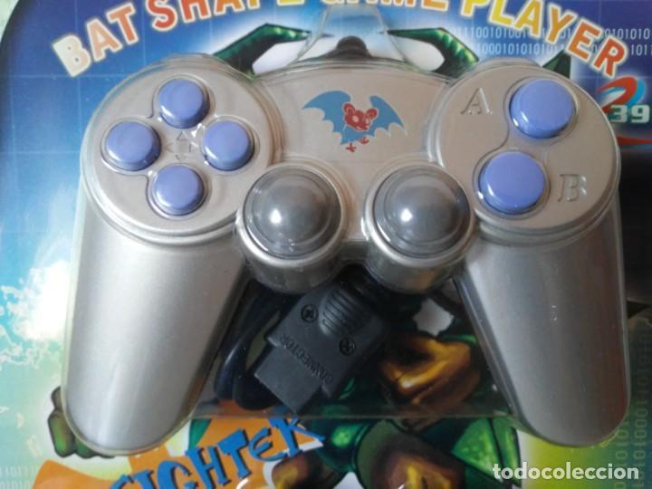 Videojuegos y Consolas: Bat Shape Game Player Maquinita con forma de murciélago no Batman En blister sin abrir - Foto 3 - 206324893