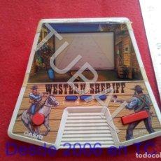 Videojuegos y Consolas: TUBAL CASIO WESTERN SHERIFF CONSOLA LCD FUNCIONANDO PERFECTO NO INCLUYE PILAS CJ4. Lote 206369298