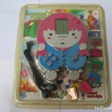 Videojuegos y Consolas: BLISTER SIN ABRIR MÁQUINA CONSOLA AÑOS 80/90 VINTAGE CON 6 JUEGOS CARTUCHOS INTERCAMBIABLES. Lote 207782641
