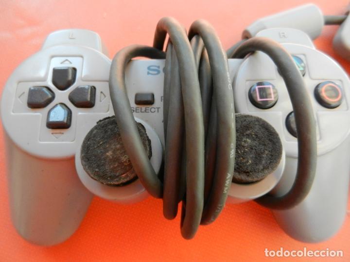 Videojuegos y Consolas: ANTIGUA CONSOLA PLAYSTATION CLASSIC - 2 MANDOS - TARJETA MEMORÍA - CABLE - FUNCIONA - VER FOTOS - Foto 3 - 214621986