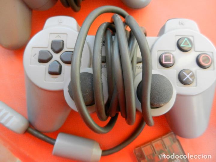 Videojuegos y Consolas: ANTIGUA CONSOLA PLAYSTATION CLASSIC - 2 MANDOS - TARJETA MEMORÍA - CABLE - FUNCIONA - VER FOTOS - Foto 4 - 214621986