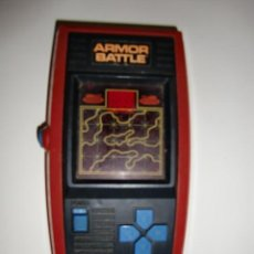 Videojogos e Consolas: MAQUINITA FUNCIONANDO ARMORR BATTLE MATTEL ELECTRONICS 1978 - TANQUES. Lote 215886078