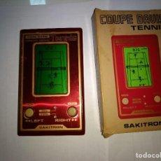 Videojuegos y Consolas: MAQUINITA TIPO GAME AND WATCH -TENNIS- SAKITRON - MADE IN JAPAN - AÑOS 80. Lote 230755710