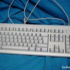 Videojuegos y Consolas: TECLADO APPLE DESIGN MDLO. M 2980. Lote 245113710