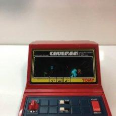 Videojuegos y Consolas: GAME WATCH CAVEMAN DE TOMY, CAVERNICOLA LSI GAME COLOR, NINTENDO, BANDAI,MAQUINITA, VIDEOJUEGO. Lote 252415655