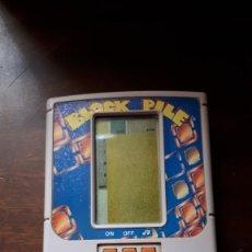 Videojuegos y Consolas: CONSOLA BLOCK PILE DEL AÑO 1991. Lote 252683745