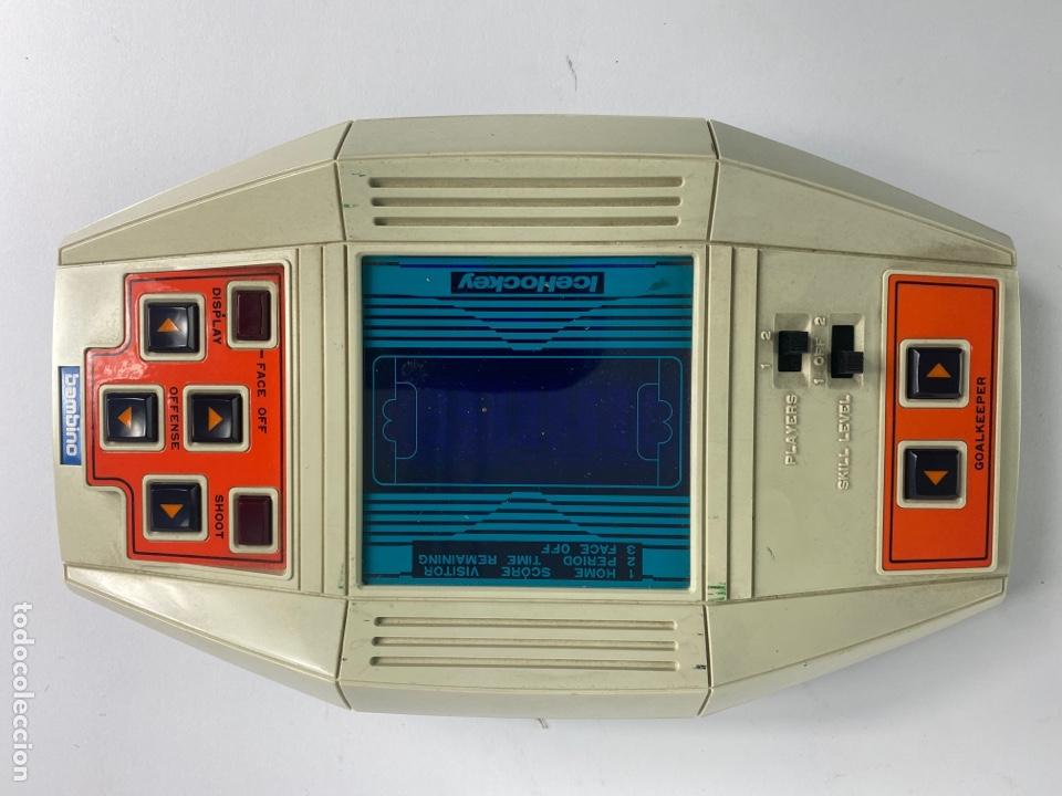 Videojuegos y Consolas: *CONSOLA BAMBINO, ICE HOCKEY. JAPAN. AÑOS 80. FUNCIONA. - Foto 2 - 254367500