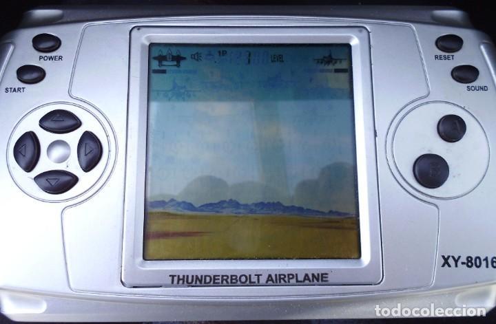 Videojuegos y Consolas: Consola de juegos ,con 5 juegos diferentes funcionando como ves en las fotos - Foto 3 - 261587815