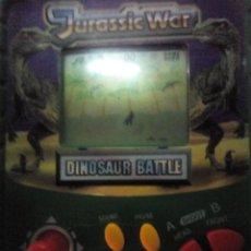 Videojuegos y Consolas: ANTIGUA CONSOLA JURASSIC WAR FUNCIONA. Lote 262718370