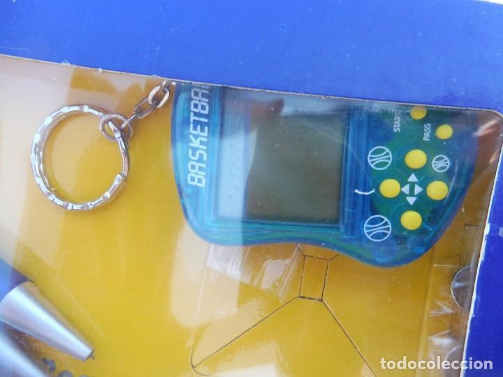 Videojuegos y Consolas: Alex bog estuche videoconsola lcd portátil basketball con portaminas y bolígrafo - Foto 3 - 269067653
