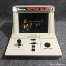 Videojuegos y Consolas: CONSOLA EPOCH ELECTRONIC GAME FIGHT OF THE TITANS 1983. Lote 278639013