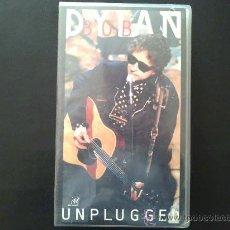 Vídeos y DVD Musicales: BOB DYLAN, UNPLUGGED - VÍDEO VHS NUEVO, AÚN PRECINTADO. Lote 30947605