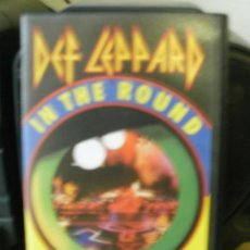 Vídeos y DVD Musicales: DEF LEPARD IN THE ROUND IN YOUR FACE LIVE EN VHS -REF-M1ARR. Lote 34676021