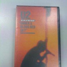 Vídeos y DVD Musicales: VIDEOCASSETTE VHS U2: UNDER A BLOOD RED SKY, LIVE AT RED ROCKS. VIRGIN IMPORTACIÓN 1983. Lote 36043609