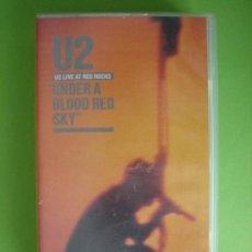 Vídeos y DVD Musicales: U2, CINTA VHS - UNDER A BLOOD RED SKY-. LIVE AT RED ROCKS. POLYGRAM VIDEO AÑO 1983. VER FOTOS.. Lote 36099400