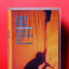 Vídeos y DVD Musicales: VHS U2 LIVE AT RED ROCKS UNDER A BLOOD RED SKY. Lote 36948507
