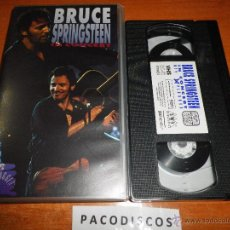 Vídeos y DVD Musicales: BRUCE SPRINGSTEEN IN CONCERT MTV UNPLUGGED VIDEO VHS NO DVD DEL AÑO 1981 103 MINUTOS. Lote 44322772