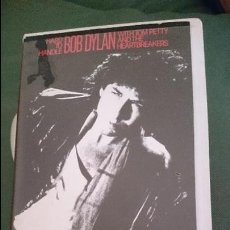 Vídeos y DVD Musicales: BOB DYLAN WITH TOM PETTY AND THE HEARTBREAKERS: HARD TO HANDLE VHS. Lote 45052807