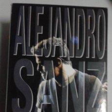 Vídeos y DVD Musicales: ALEJANDRO SANZ CAJA CON 3 CINTAS VHS (ALEJANDRO SANZ - LOS SINGLES - EL CONCIERTO TOUR MAS 98). Lote 47383768