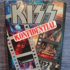 Vídeos y DVD Musicales: V.H.S. !! KISS. KONFIDENTIAL. UNCENSORED.CONCIERTO. POLYGRAM RECORDS INC. - 1993. COMO NUEVO.. Lote 49147980