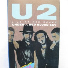 Vídeos y DVD Musicales: U2. LIVE AT RED ROCKS. UNDER A RED BLOOD SKY. VHS. MADE IN SPAIN. 12 SONGS.. Lote 51411112