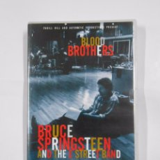 Vídeos y DVD Musicales: BRUCE SPRINGSTEEN AND THE E STREET BAND BLOOD BROTHERS. DVD. TDKV13. Lote 95173922