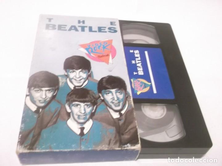 THE BEATLES - VIDEO ROCK SALVAT - VHS PELÍCULA QUE RECOPILA FRAGMENTOS DESTACADOS DE LOS BEATLES (Música - Videos y DVD Musicales)