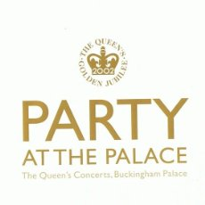 Vídeos y DVD Musicales: PARTY AT THE PALACE THE QUEEN´S CONCERTS GOLDEN JUBILEÉ 2002. Lote 142764406