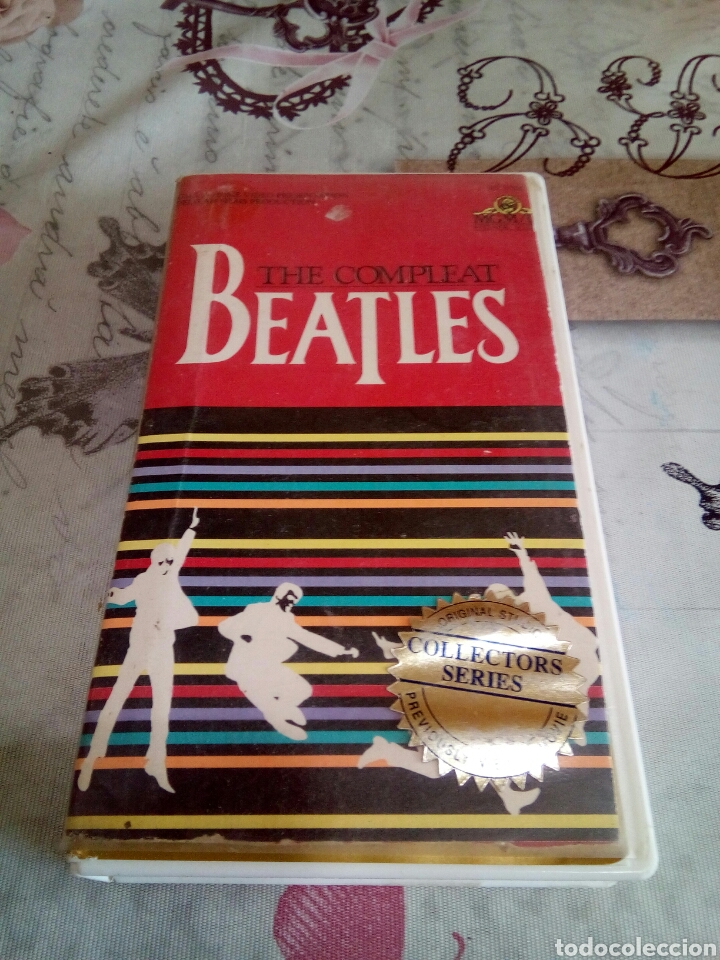 VHS THE COMPLEAT BEATLES (Música - Videos y DVD Musicales)