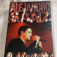 Vídeos y DVD Musicales: ALEJANDRO SANZ - VIDEO VHS - (CONCIERTO - TOUR 98) VER FOTOS. Lote 175292999