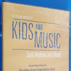 Vídeos y DVD Musicales: DVD MUSICAL / A FILM ABOUT KIDS AND MUSIC / SANT ANDREU JAZZ BAND, 2014 NUEVO. Lote 184059786