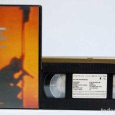 Vídeos y DVD Musicales: U2 - UNDER A BLOOD RED SKY. LIVE AT RED ROCKS. VHS. Lote 185660607