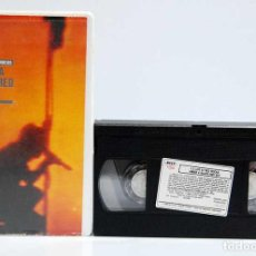 Vídeos y DVD Musicales: U2 - UNDER A BLOOD RED SKY. LIVE AT RED ROCKS. VHS. Lote 185660650