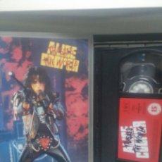 Vídeos y DVD Musicales: ALICE COOPER. VHS. Lote 189828783
