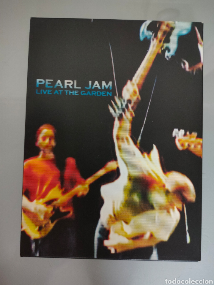 DVD DOBLE PEARL JAM LIVE AT THE GARDEN 2003 (Música - Videos y DVD Musicales)
