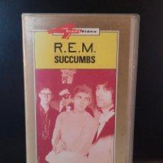 Vídeos y DVD Musicales: R.E.M. SUCCUMBS. Lote 287577978